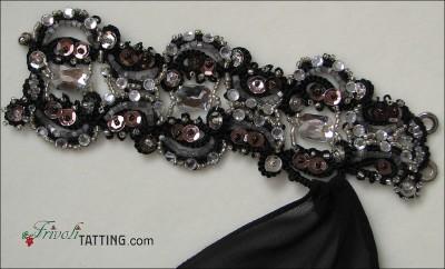 фриволите в декорировании костюма для бальных танцев. Браслеты.