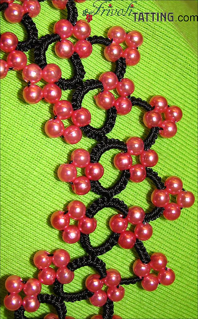 Бусы в технике фриволите. Tatted beads.