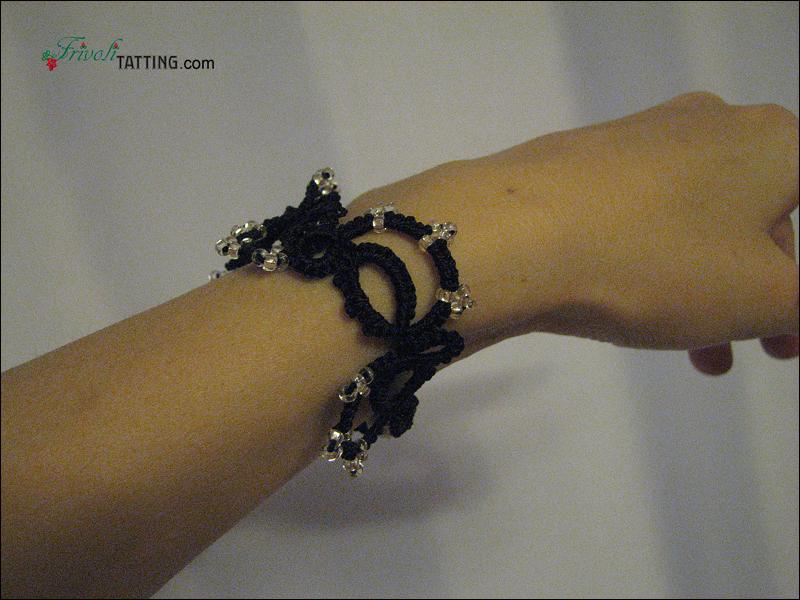 Браслет2 в технике фриволите. Tatted bracelet.