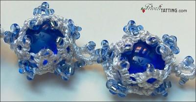 Новогоднее ожерелье и браслет из снежинок в технике АНКАРС 10.2010