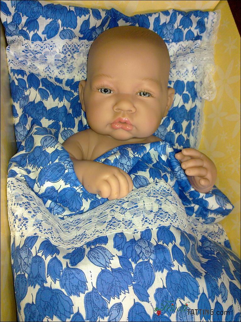 Постелька для пупса. Bed for Kewpie doll.