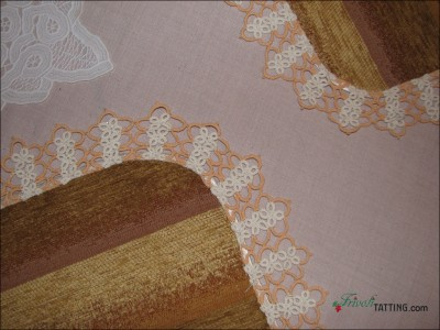Салфетка под прибор с кружевом фриволите. Place mat with tattededging.