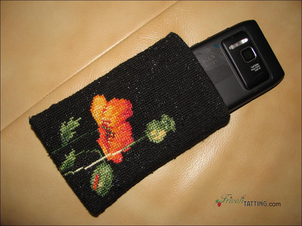Сумочка для телефона с вышивкой крестом.
